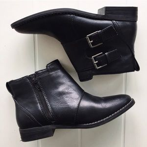 NEW & NEVER USED American Eagle Leather Booties